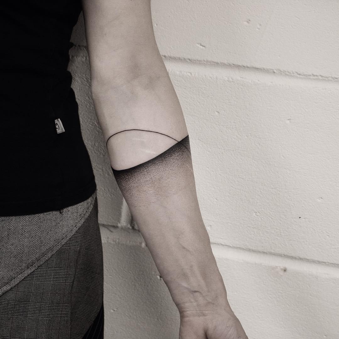 Abstract dotwork armband tattpp