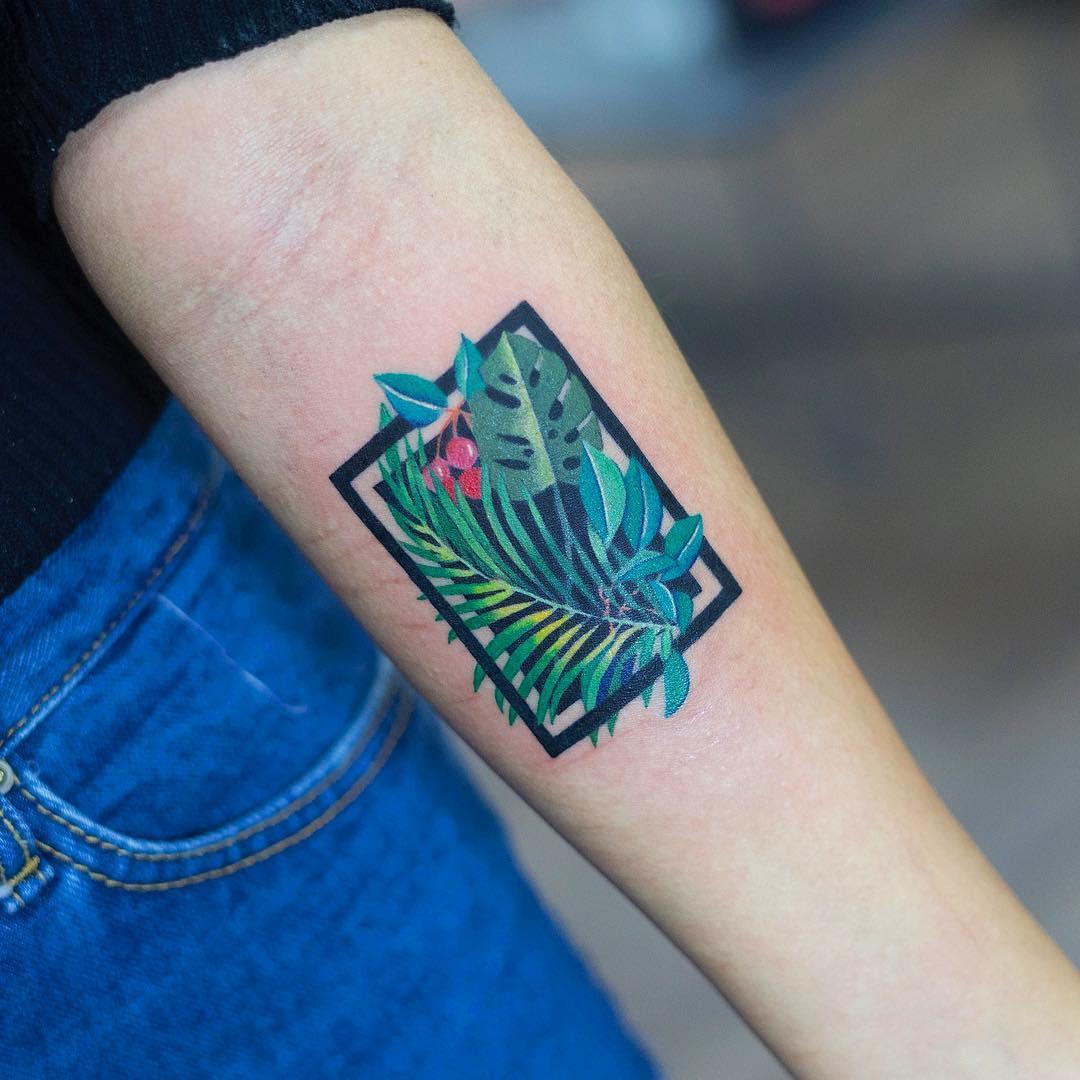 Exotic leaves tattoo