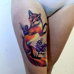 Fox tattoo on the right thigh