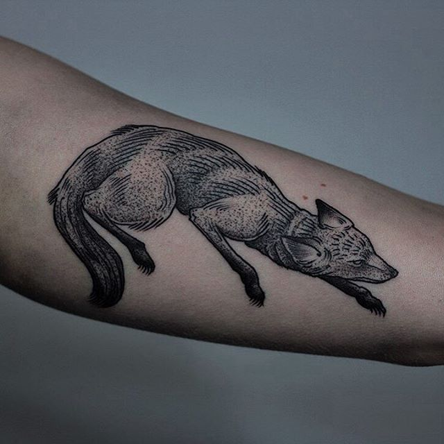 Sneaking black fox tattoo