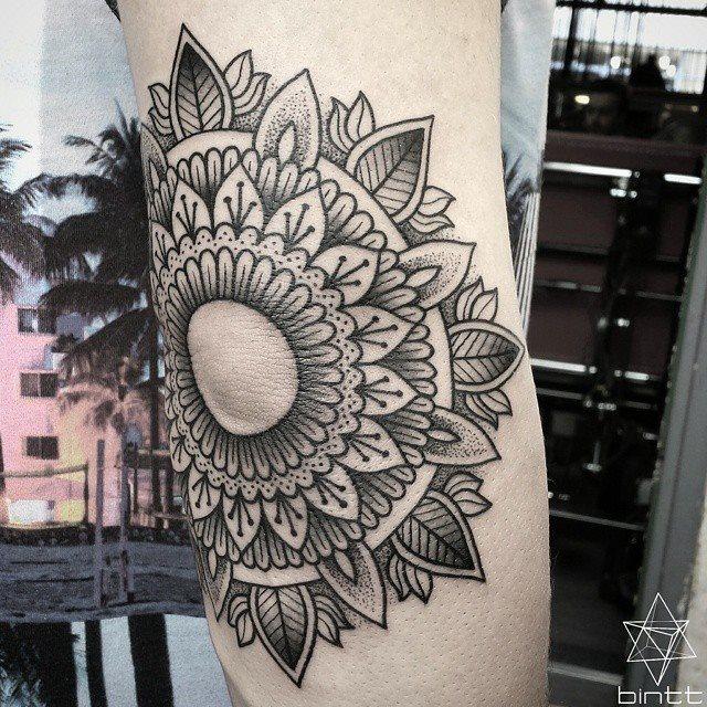 Mandala elbow