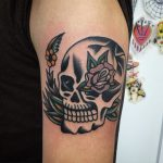 Old school skull and rose