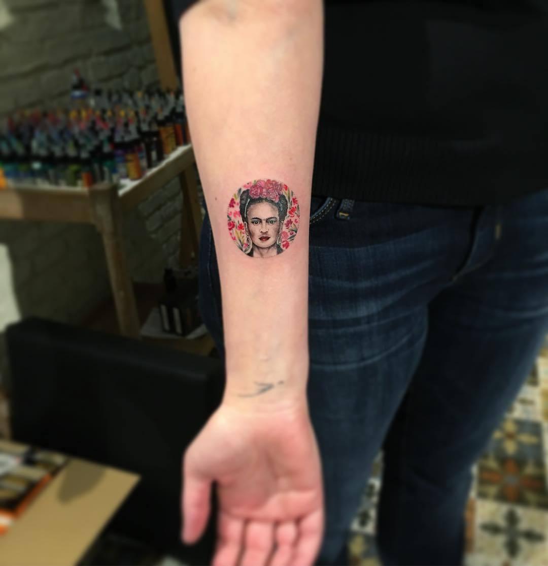 Circular frida kahlo tattoo