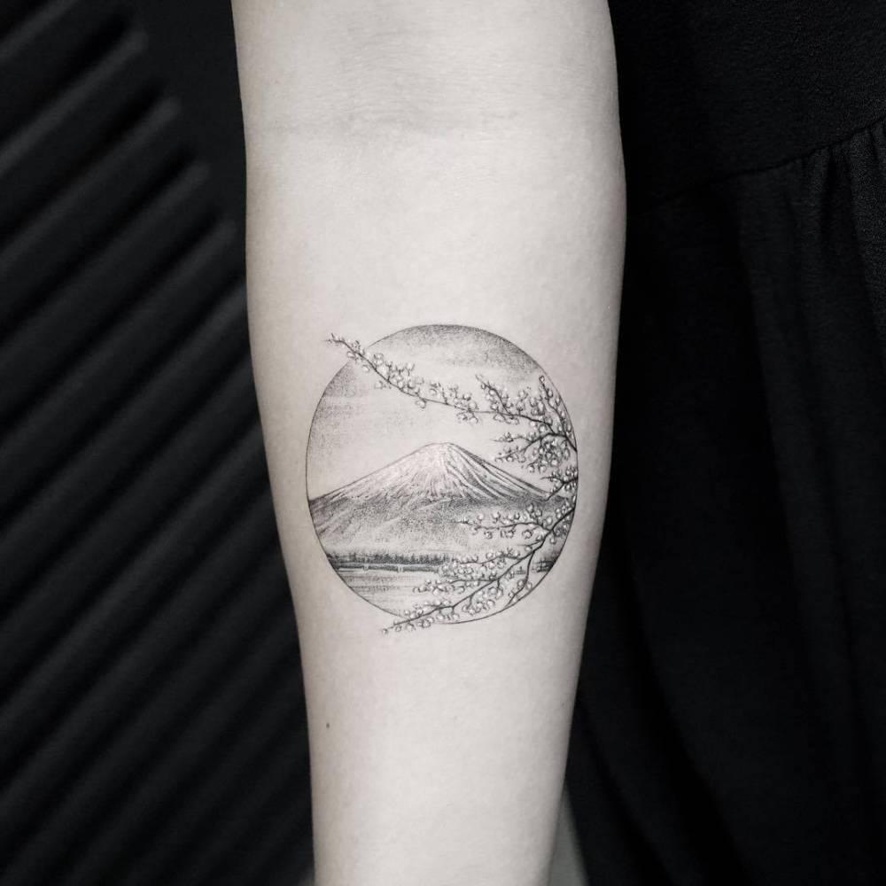 Fujiyama mountain tattoo