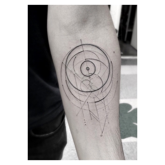 Abstract circular pattern tattoo