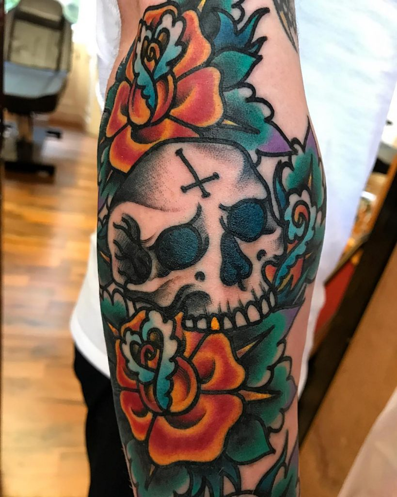 26bdcc813c348 Old school flowers and skull - Tattoogrid.net