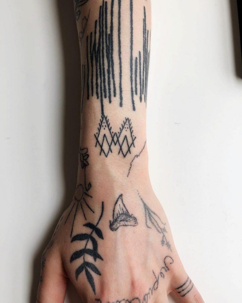 Decorated wrist