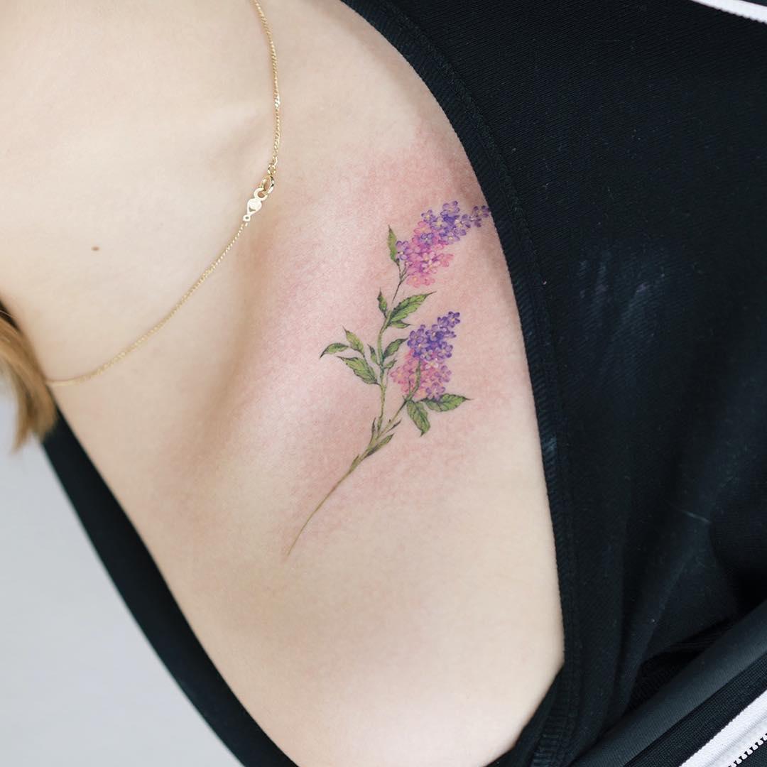 Detail lilac flower tattoo