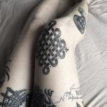 Endless knot tattoo on the knee