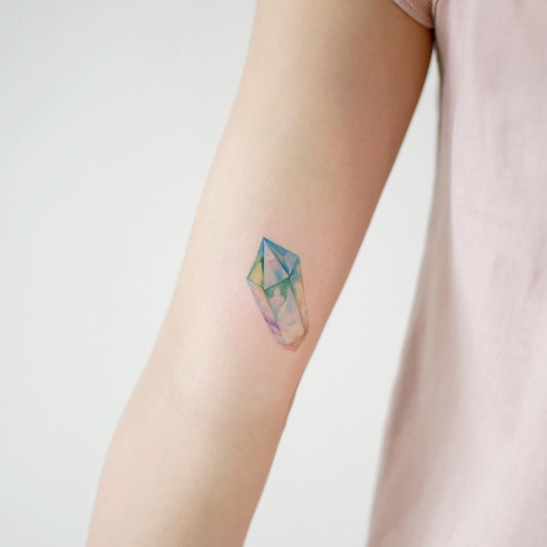 Hyper realistic crystal tattoo
