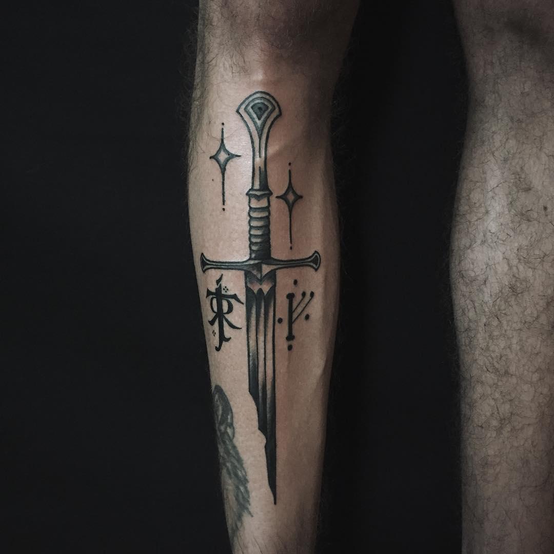 Narsil tattoo on the shin