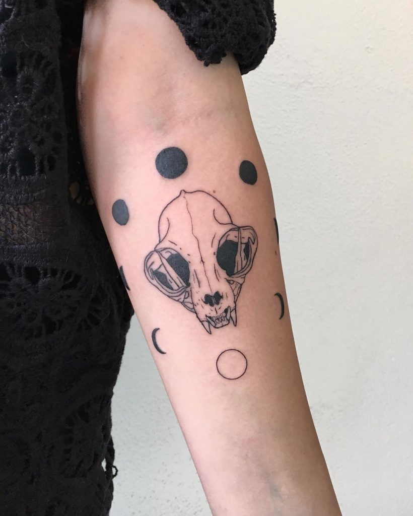 Skull and moon phases