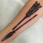 Traditional broken arrow tattoo by jeroen van dijk