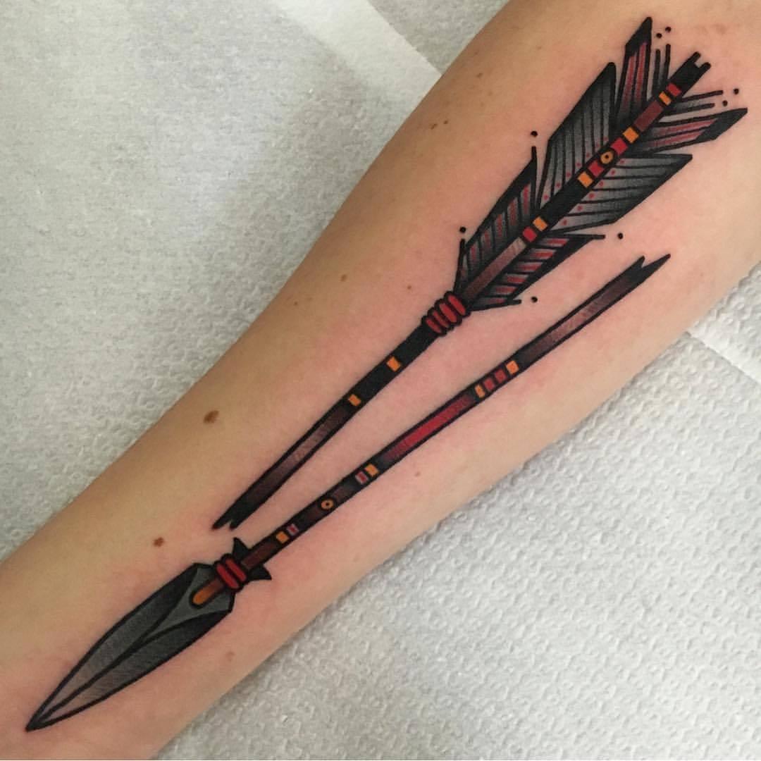 Traditional broken arrow tattoo by jeroen van dijk