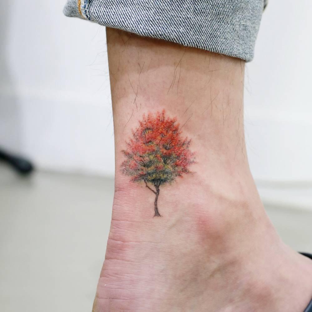 Tree in the autumn tattoo