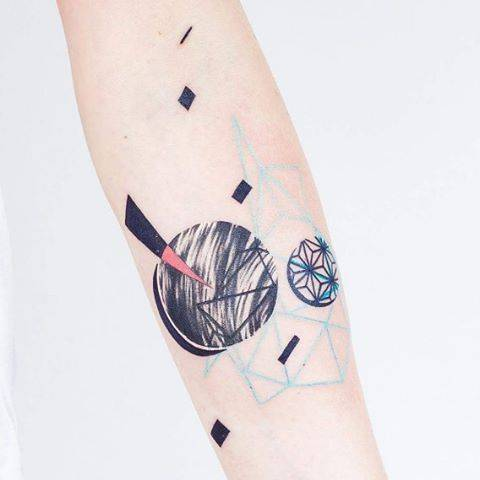 Abstract shapes on the forearm