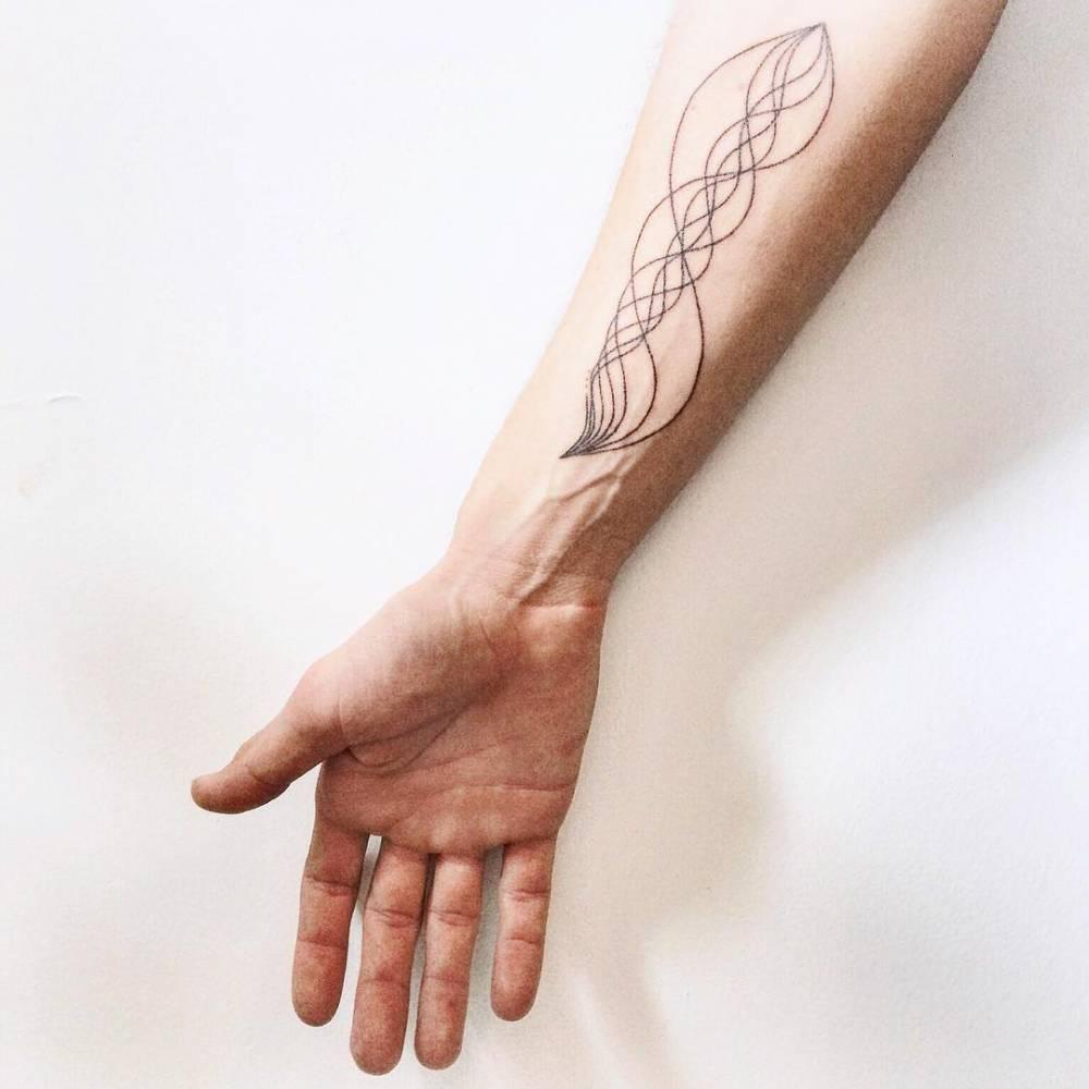 Abstract tattoo by taylor kaclik