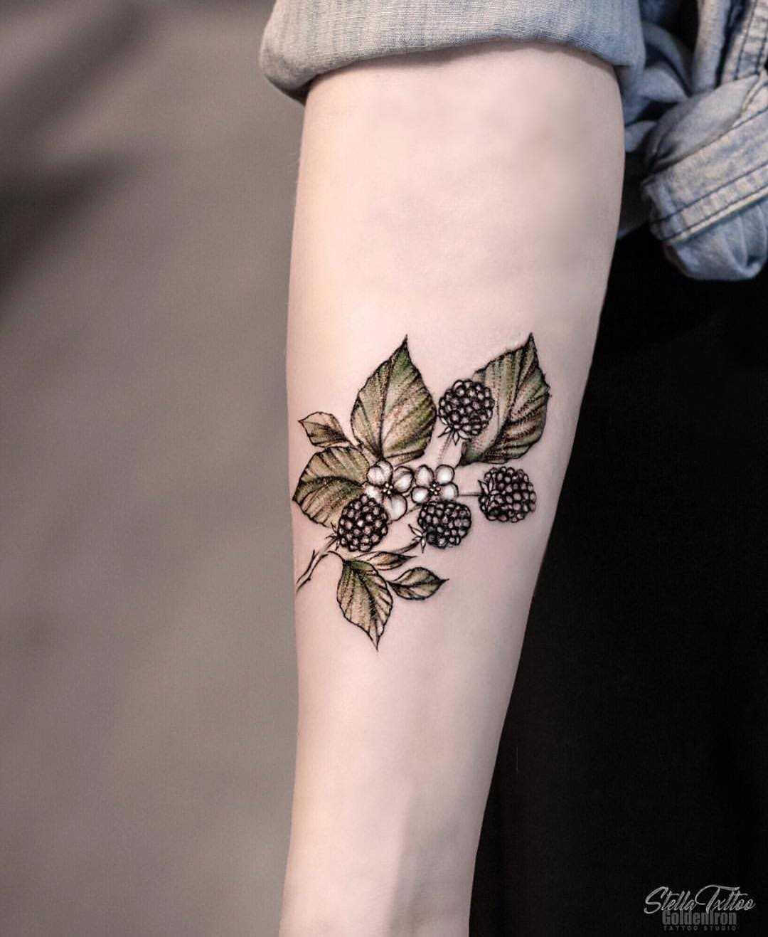 Berries tattoo by stella