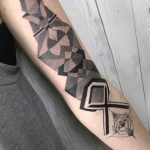 Black and grey geometry piece by nissaco