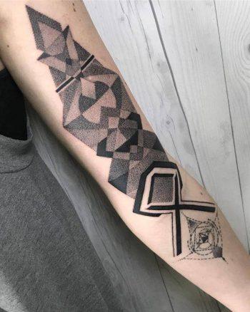 Black and grey geometry piece by nissaco