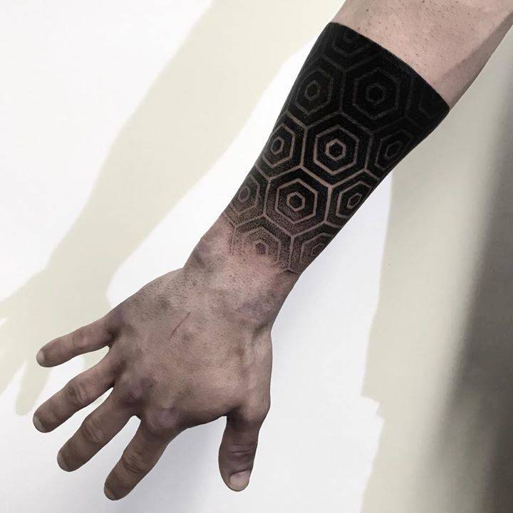 Black geometric tattoo by koldo novella done