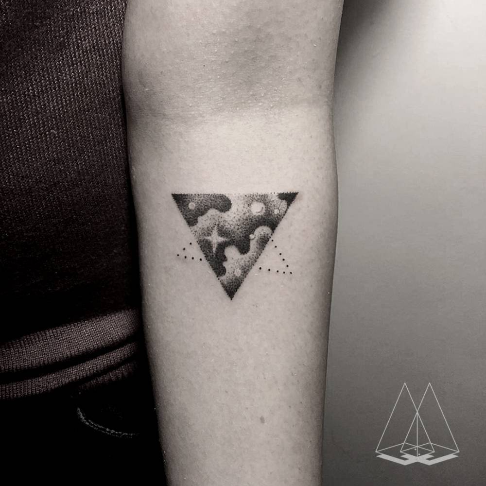 Cloudy triangle tattoo by artist mentat gamze