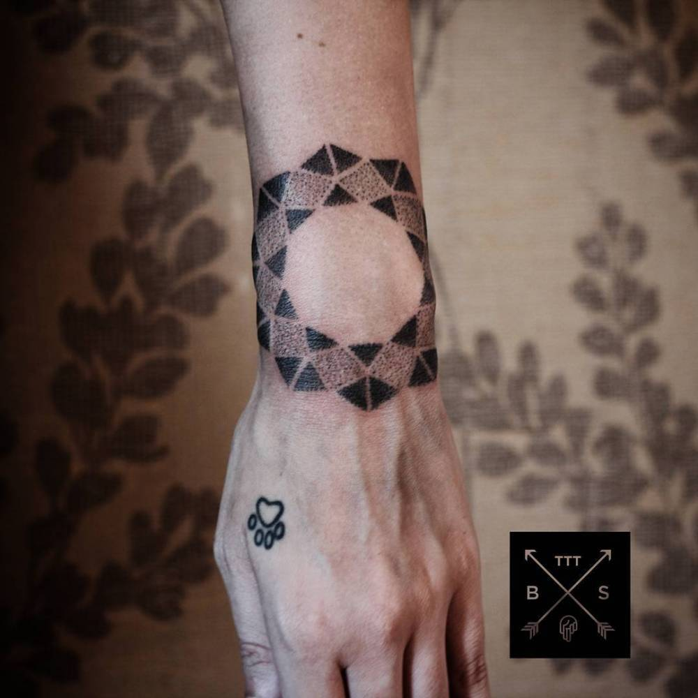 Geometric tattoo by thiago corrêa
