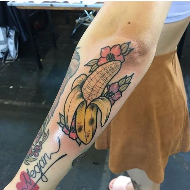 Neotraditional banana tattoo
