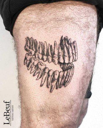Teeth tattoo by loïc lebeuf