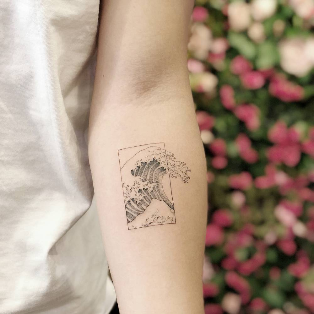 The great wave tattoo of hokusai by chang