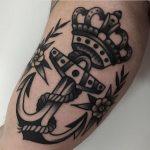 Anchor and crown by jeroen van dijk