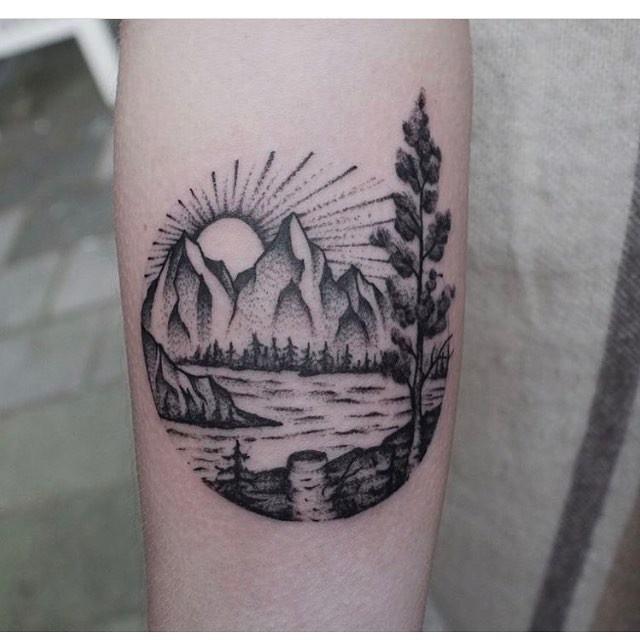 Circular mountainous landscape by roald
