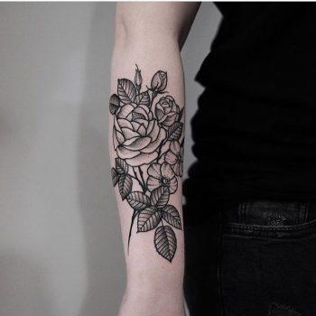 Floral piece on the forearm by jonas ribeiro