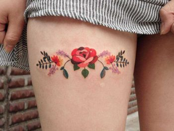 Floral piece on the right thigh