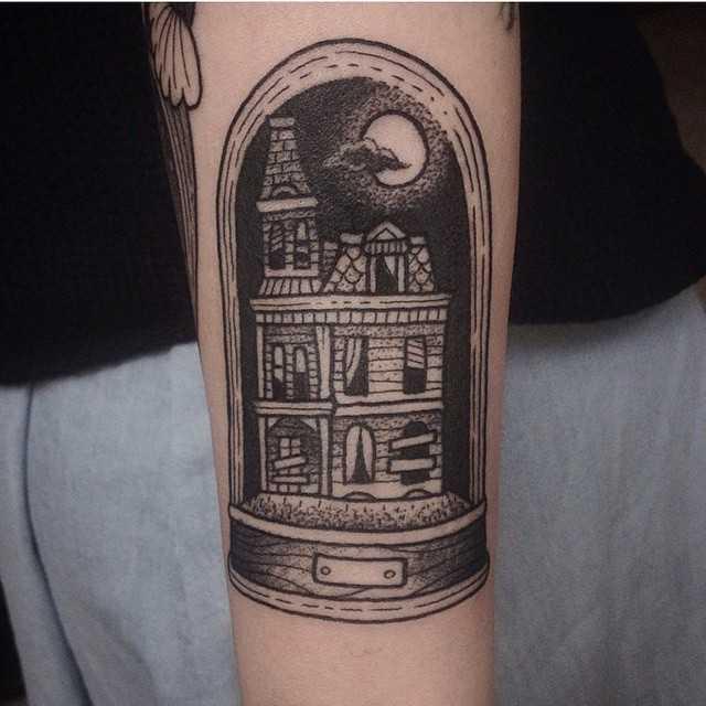 Haunted house by Susanne König