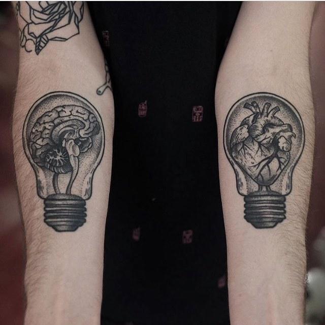 Heart and brain light bulbs by Jonas Ribeiro