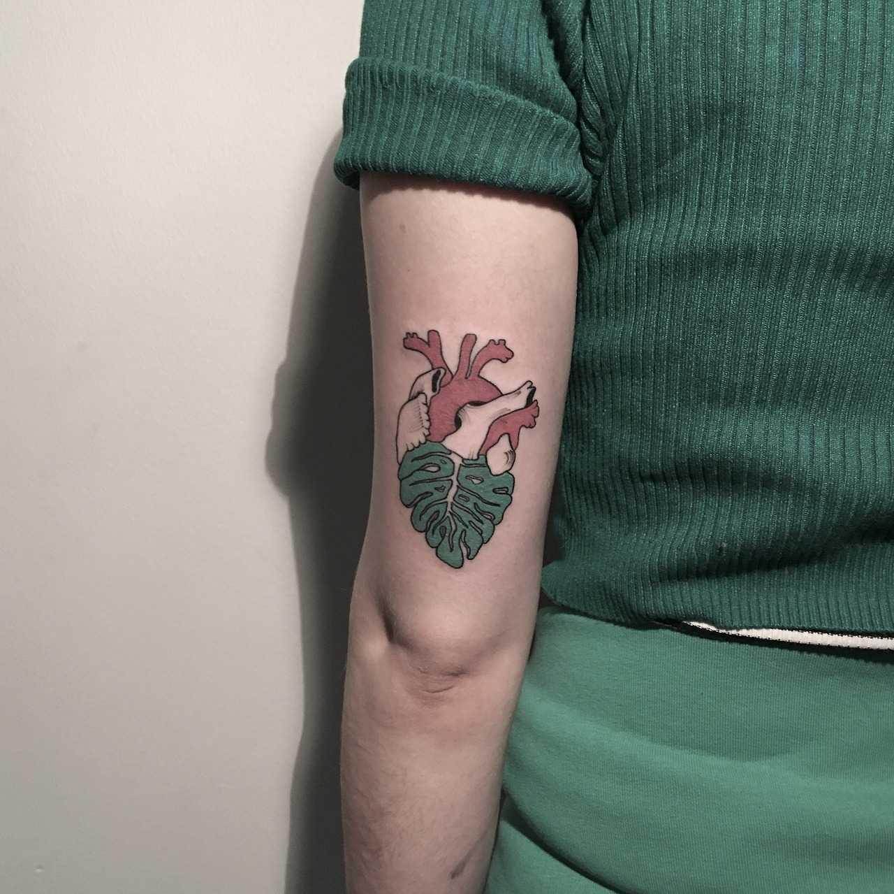 Heartleaf tattoo by Berkin Dönmez