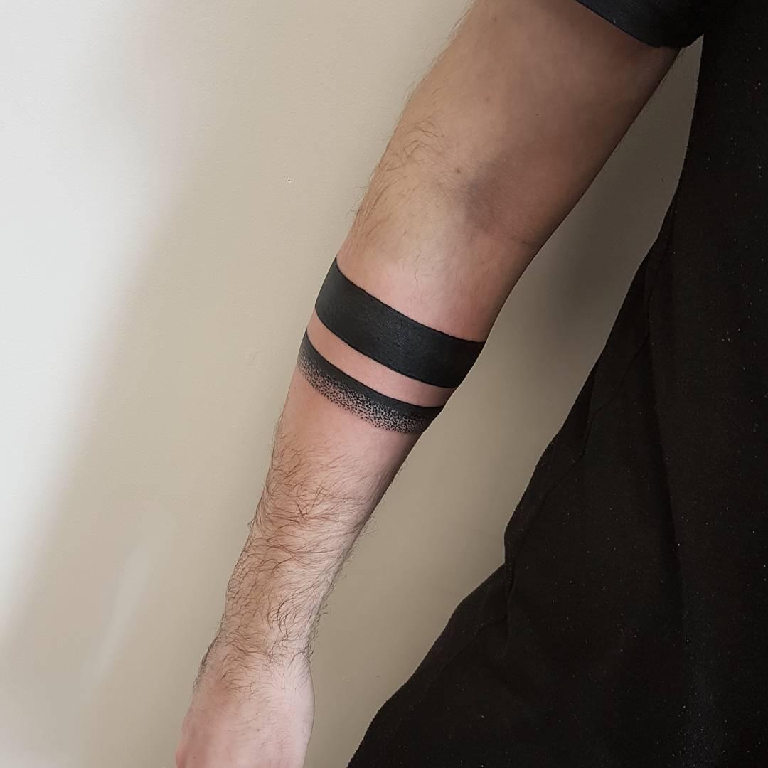 Minimalist black armband