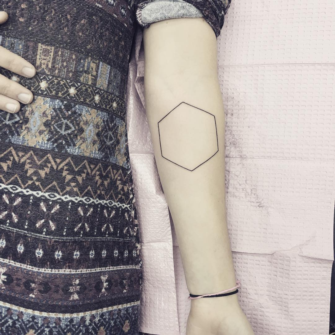 Outline honeycomb tattoo by Jen Wong