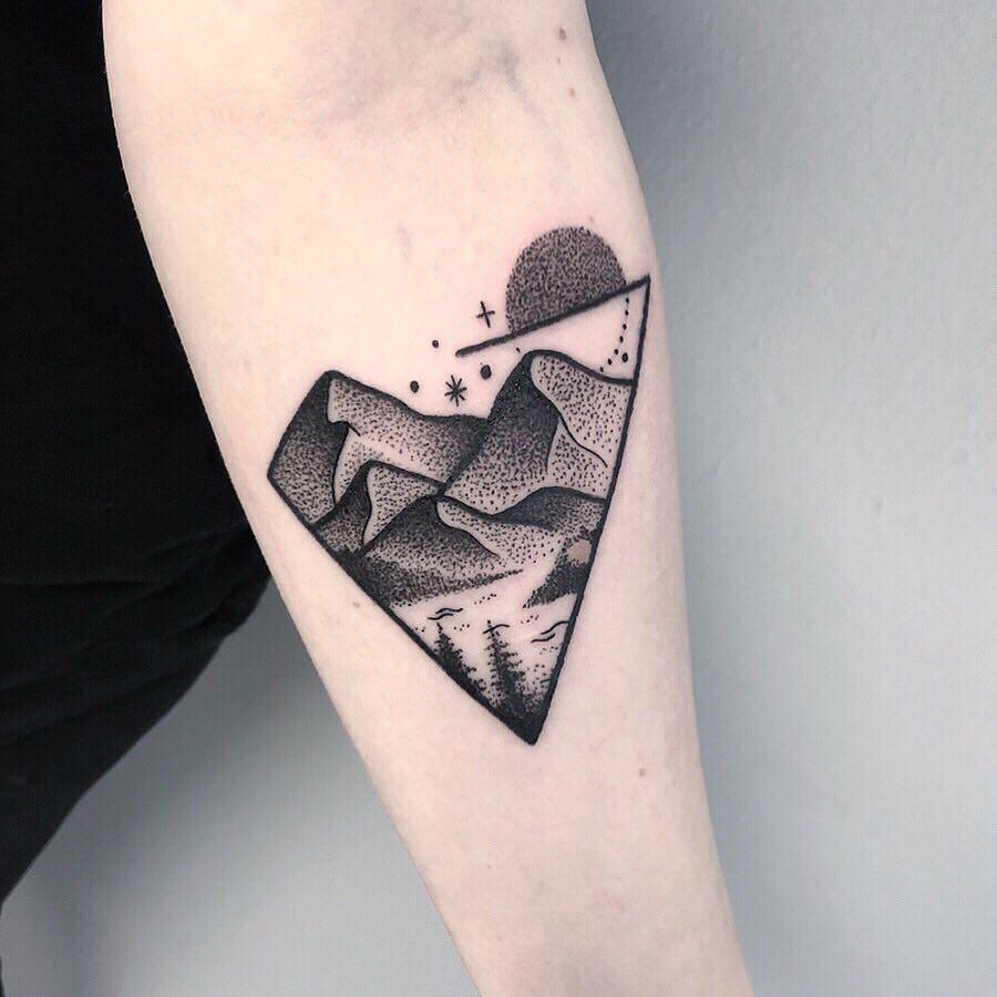 Triangular dot-work landscape