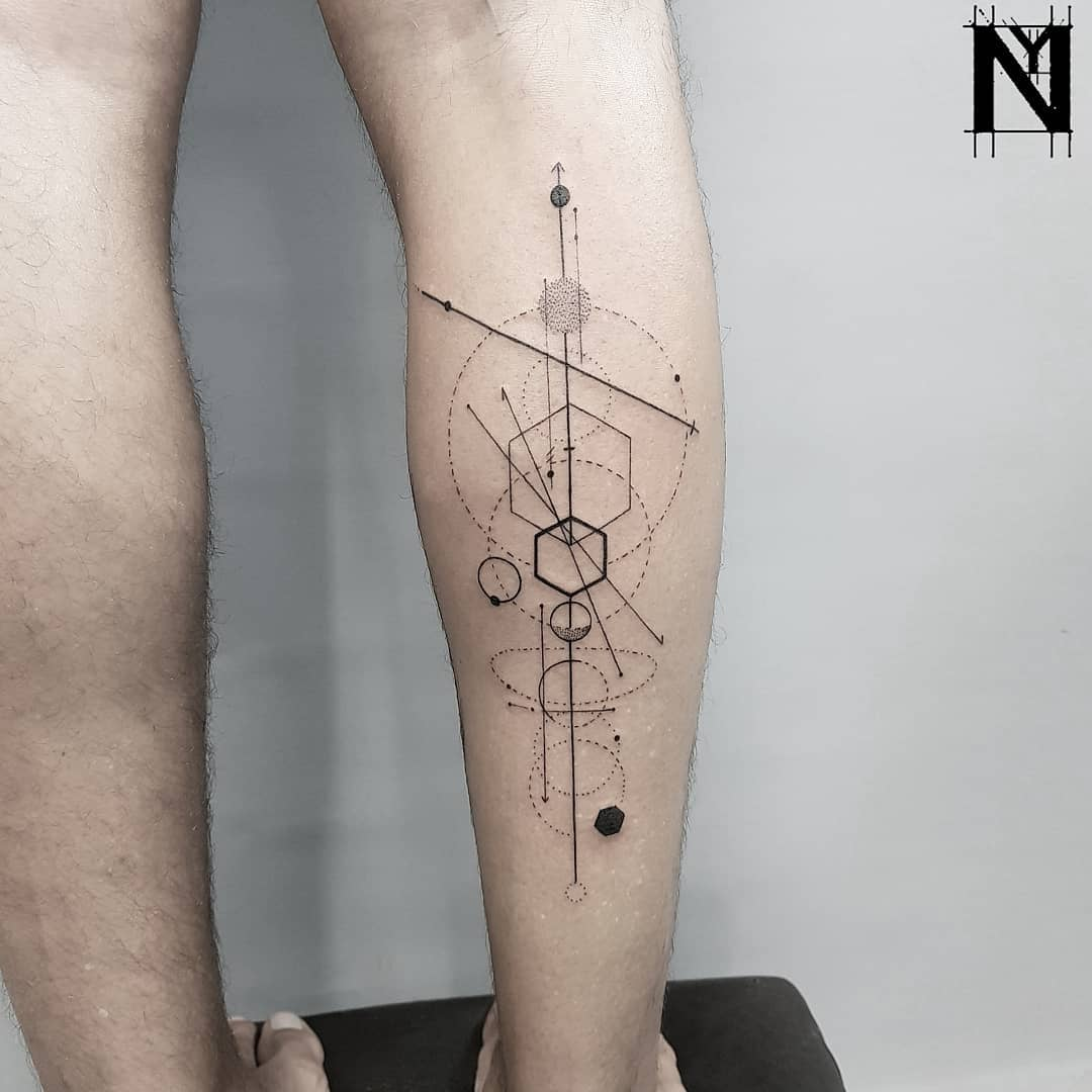 Abstract geometry on the right calf