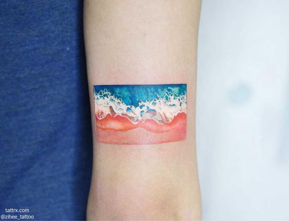 Beach tattoo by Zihee