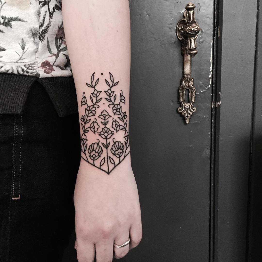 Beautiful custom floral wristband