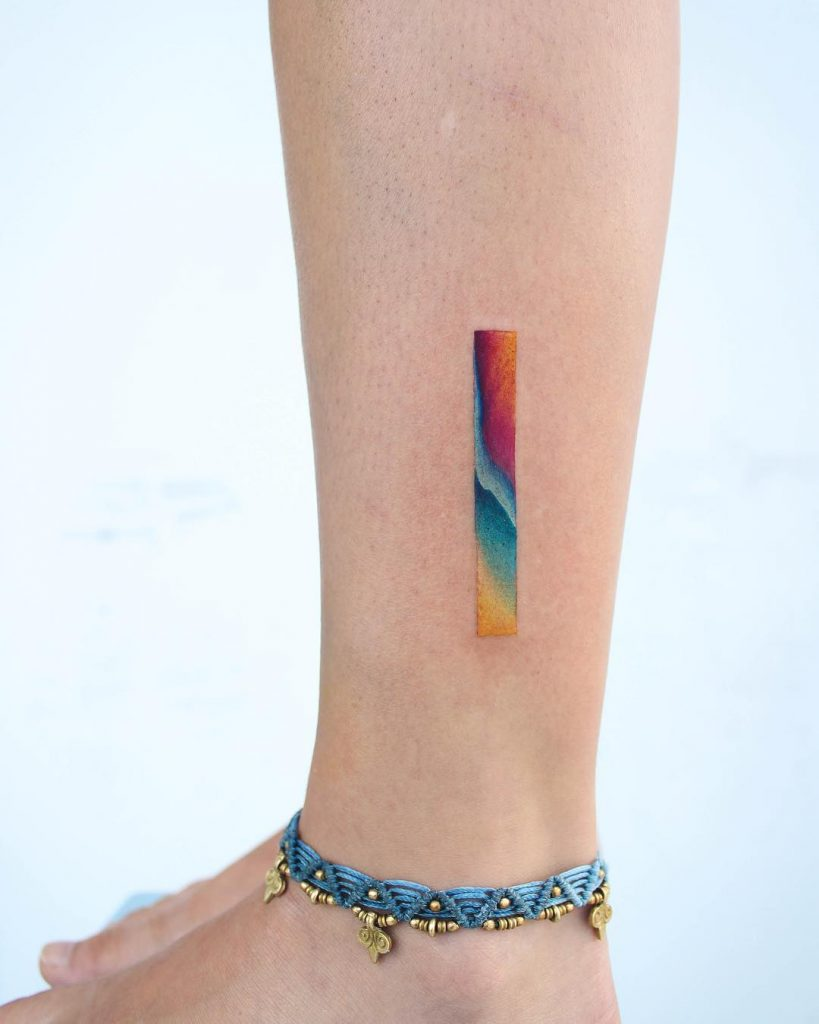 Gradient colorful line on the calf