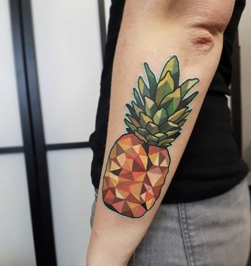Polygonal pineapple tattoo by Nastia Zlotin