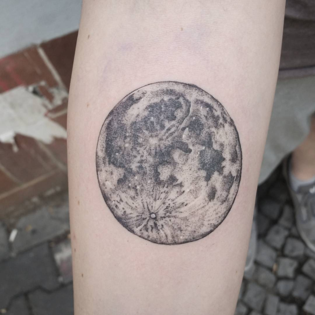 Realistic full moon by Jak Tattoos
