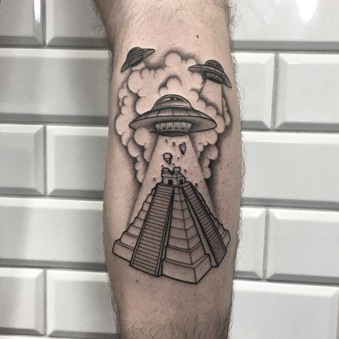Conspiracy theories done at Kult Tattoo Fest