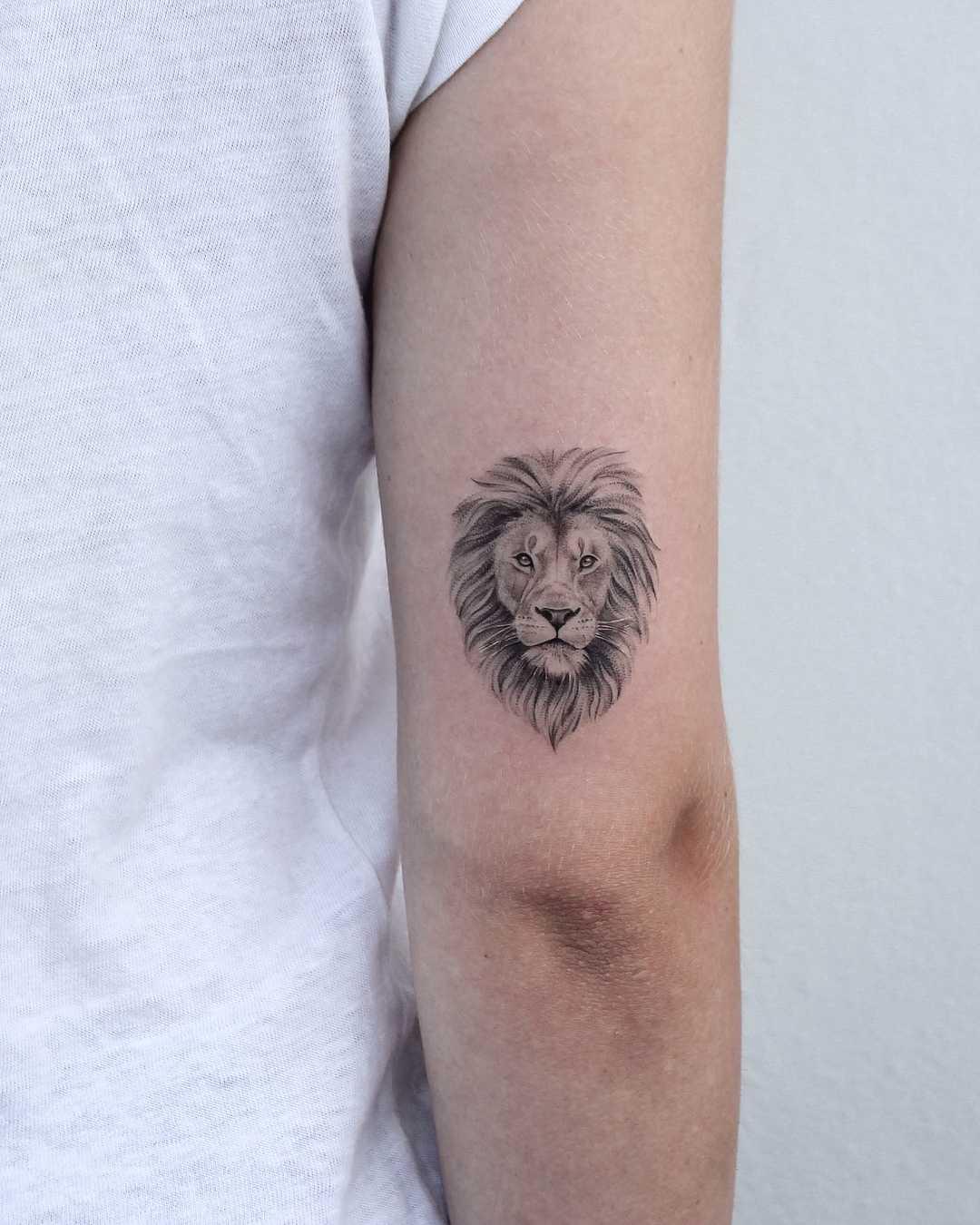 Lion head by Iris Tattoo
