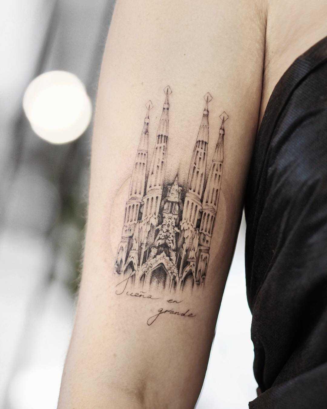Sagrada Família church tattoo