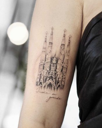 Sagrada Família church tattoo